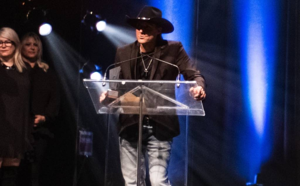 Gala Country 2019: Laurie Leblanc wins SOCAN-Sponsored Songwriter Of The Year Award