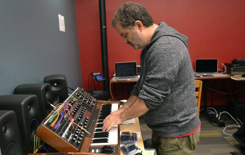 Apply now for Musicworks 2021 Electronic Music Composition Contest